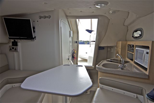 275 Conquest 2004BC Cabin Galley 500