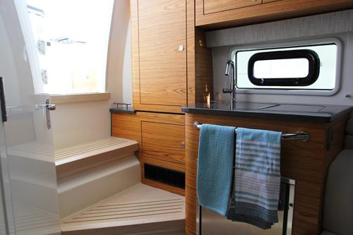 380 Realm 2019 Cabin 500