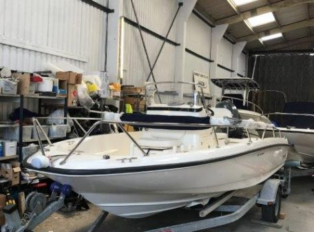 180 D 2008 PD Port Bow
