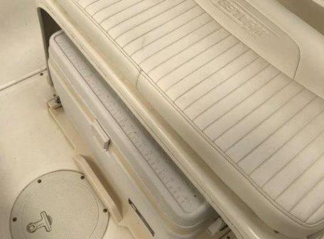 180 D 2008 PD cooler under helm
