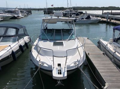 Used 275 Conquest 2004 Model